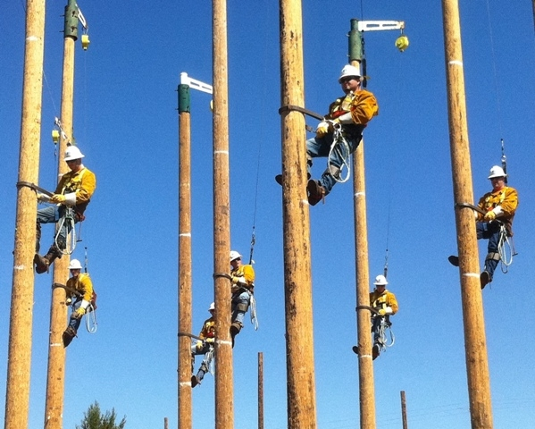 hopeful future linemen at lineman school learning the trade